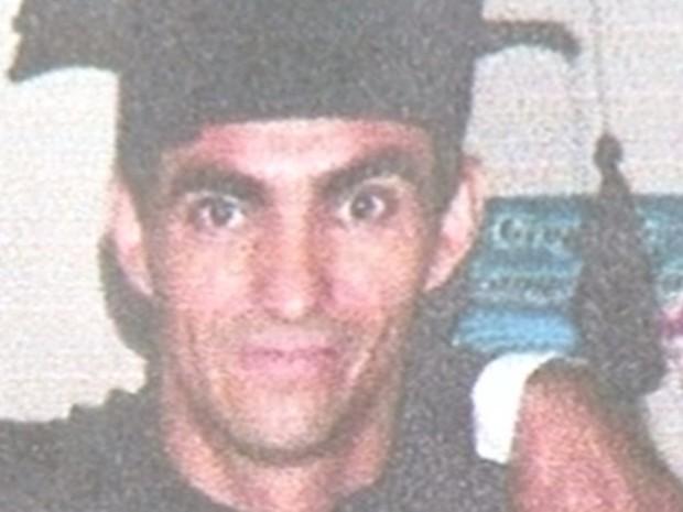 Pedreiro estava desaparecido desde março de 2015, mas polícia diz que ele foi morto, em Luziânia, Goiás (Foto: Reprodução/TV Anhanguera)