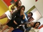 Patrícia Abravanel mostra barrigão de grávida em bastidor de programa