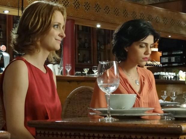Miriam não consegue disfarçar a decepção (Foto: Amor Eterno Amor / TV Globo)