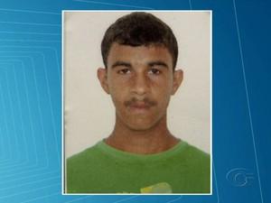 Davi da Silva, desaparecido desde uma abordagem policial no bairro do Benedito Bentes (Foto: Reprodução/TV Gazeta)