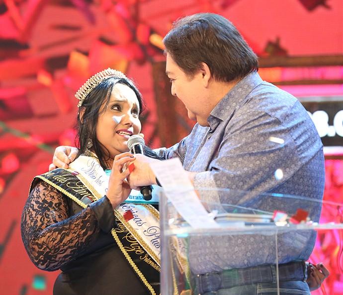Miss plus size lembrou das gordinhas e agradeceu pelo prêmio (Foto: Carol Caminha / Gshow)
