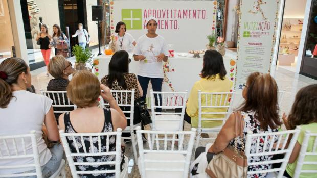 Público recebeu orientações sobre como combater o desperdício de alimentos nos workshops (Foto: RBS TV/Divulgação)