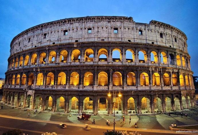 Roma usa lugares históricos como o Coliseu para aumentar chances de sediar as Olimpíadas de 2014 (Foto: Reprodução/Twitter)