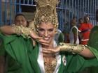 Grande Rio homenageia Santos com famosas e citações a Pelé e Neymar