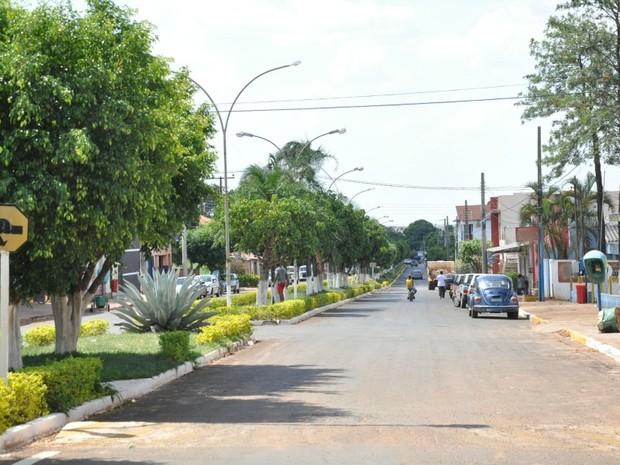 Avenida Manoel Rodrigues da Cruz, a principal de Paraíso das Águas MS (Foto: Fernando da Mata/G1 MS)