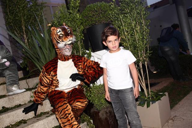 Rodrigo, filho de Faustão, na festa de Vittorio (Foto: Manuela Scarpa / Foto Rio News)