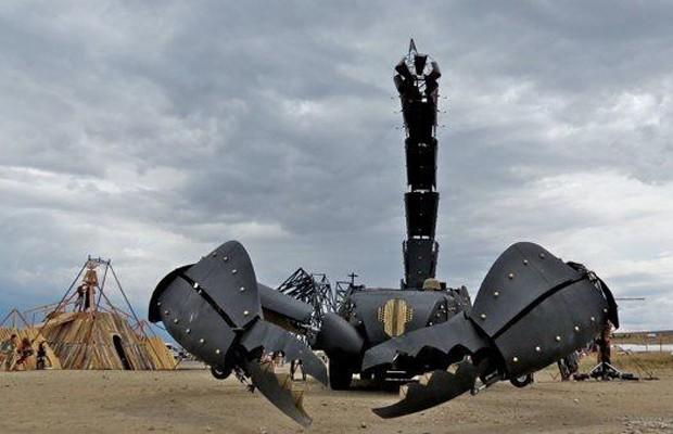 Veículo-escorpião é colocado à venda nos Estados Unidos (Foto: Reprodução/eBay)
