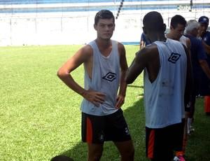 Gabriel comemora a oportunidade no time principal do Remo (Foto: Gustavo Pêna)