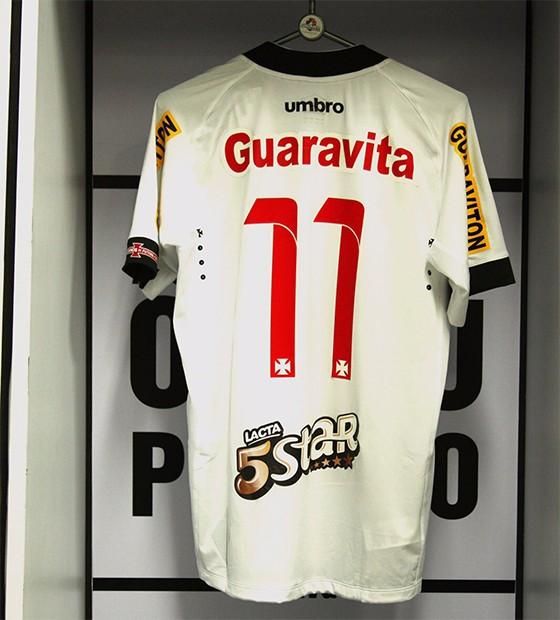 o Vasco anunciou patrocínio pontual da Lacta, cuja marca ficará na parte de trás da camisa (Foto: divulgação)