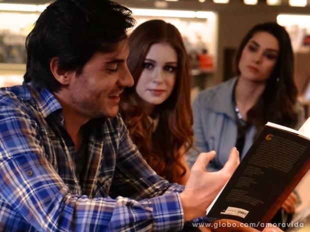 Nicole fica mais encantada com Thales (Foto: Amor à Vida / TV Globo)