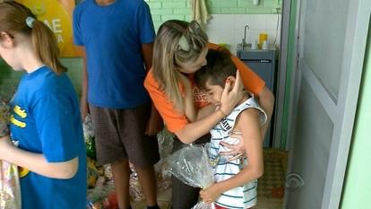 Lajeado e Estrela recebem donativos da Caravana do Brinquedo da RBS TV