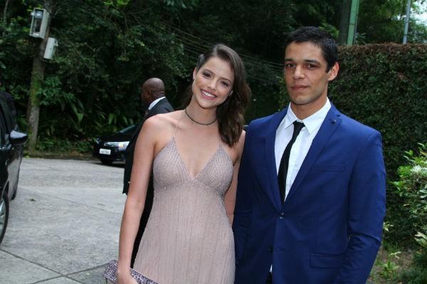 Agatha Moreira e namorado (Foto: Agnews)