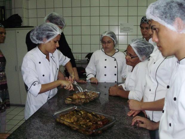 O Instituto Federal de Educação do Piauí (IFPI) também oferece cursos em nível técnico e tecnólogo. (Foto: Gilcilene Araújo/G1)