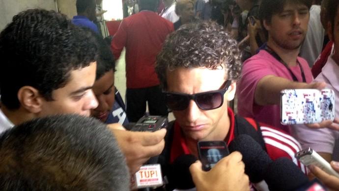 Elano Flamengo Desembarque (Foto: Cauê Rademaker)