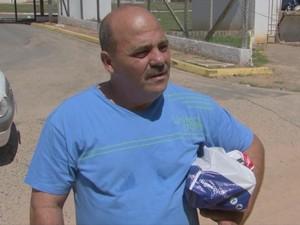 Sérgio Missagre é pai de presidiário e reclama da superlotação (Foto: Reprodução/ TV TEM)