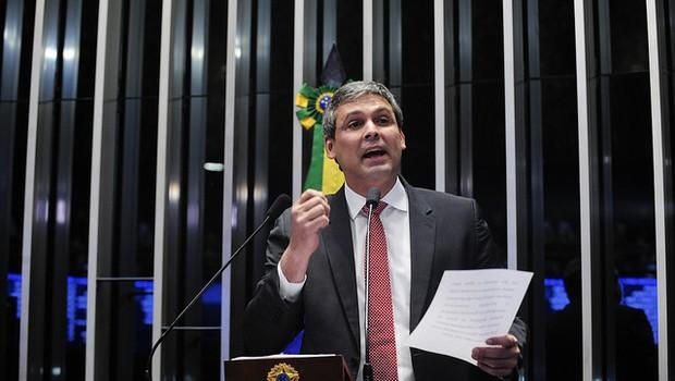 O senador Lindbergh Farias (PT-RJ) faz suas considerações finais durante a sessão de julgamento do impeachent (Foto: Jonas Pereira/Agência Senado)