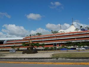 [Brasil] Acidente com avião de carga provoca impacto em 13 voos no Recife Dsc_5104