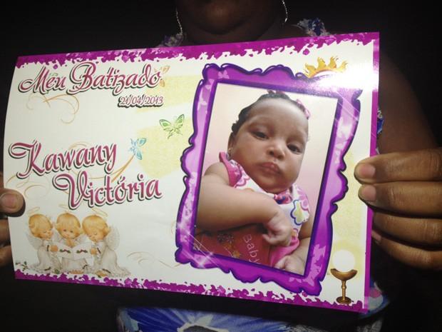 Bebê de três meses que morreu atropelada já tinha batizado marcado (Foto: Lívia Torres/G1)