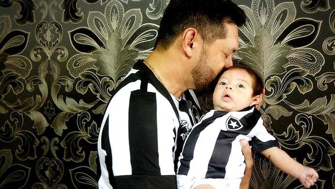 No AC, ensaio fotográfico de bebê revela paixão de pais pelo Botafogo (Foto: Lívia Guedes/Arquivo pessoal)