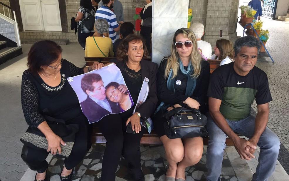 Fãs vieram de São Paulo para homenagear Jerry Adriani (Foto: Bruno Albernaz / G1)