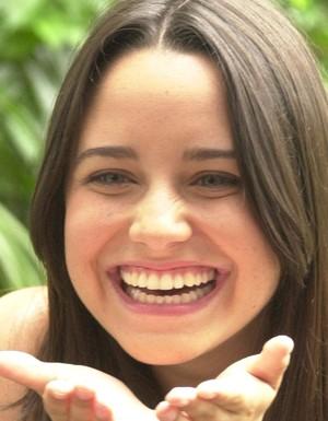 Betina (Fernanda Vasconcellos)