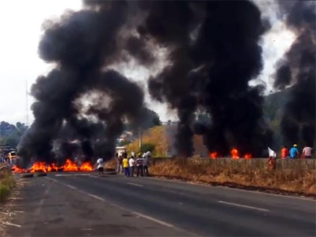 Proteso Ribeirão BR-101 (Foto: Reprodução / WhatsApp)