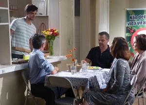 Almoço família Fatinha e Bruno  (Foto: Malhação / TV Globo)