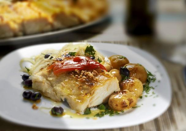 Aprenda três receitas saudáveis com o tradicional bacalhau para a Páscoa não pesar na balança (Foto: Thinkstock)