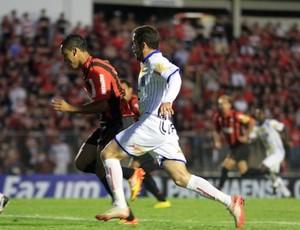 Edigar Junio, atacante do Atlético-PR, contra o CIanorte (Foto: Divulgação/Site oficial do Atlético-PR)