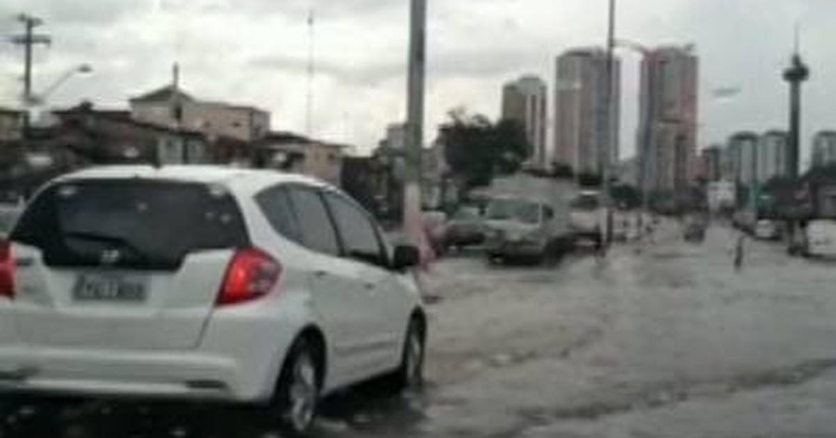 Moradores de Tucuruí protestam contra alagamentos constantes - Globo.com
