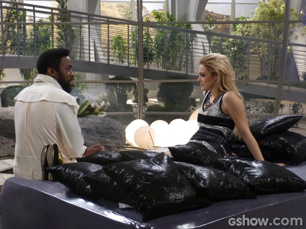 Megan diz para Brian que deseja muito Davi (Foto: Geração Brasil/TV Globo)