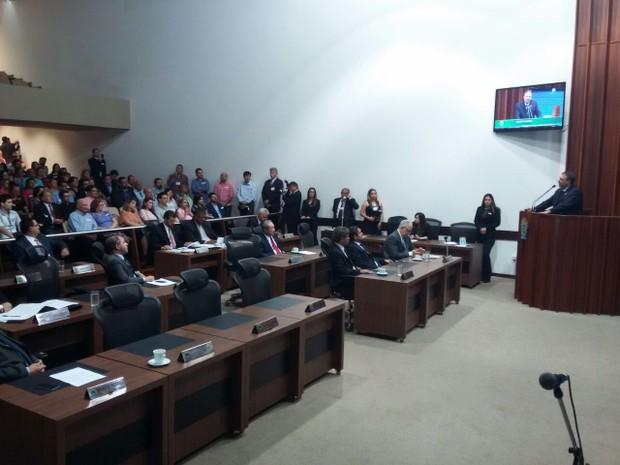 Paulo Siufi discursa na Assembleia Legislativa (Foto: Ariovaldo Dantas/ TV Morena)