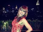 Recém-solteira, Simone Soares curte a noite de Nova York
