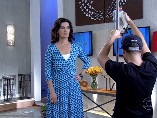 Fátima é escaneada para virar boneca (Foto: Encontro com Fátima Bernardes/TV Globo)