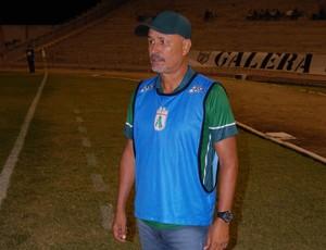 Paulo Júnior, técnico do Sousa (Foto: Silas Batista / GloboEsporte.com)
