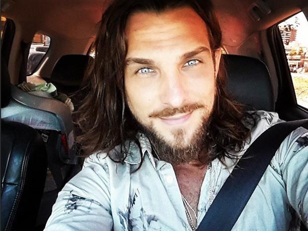 O ator posta foto a caminho das gravações na fictícia Maktub (Foto: Arquivo pessoal)