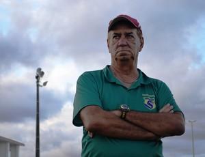 Luiz Pondé terá desfalques importantes para o próximo jogo (Foto: Felipe Martins/GLOBOESPORTE.COM/SE)