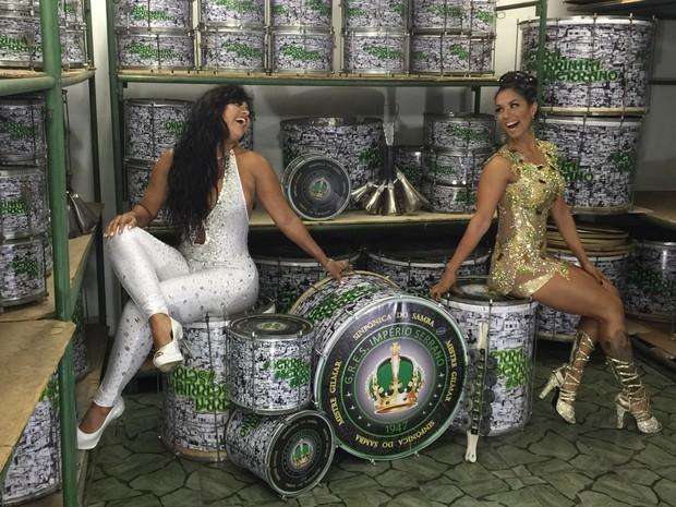 Patrícia Chelid e Milena Nogueira na quadra da Império Serrano, em Madureira, Zona Norte do Rio (Foto: Divulgação)