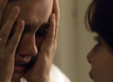 Alice chora e desabafa com Nanda
