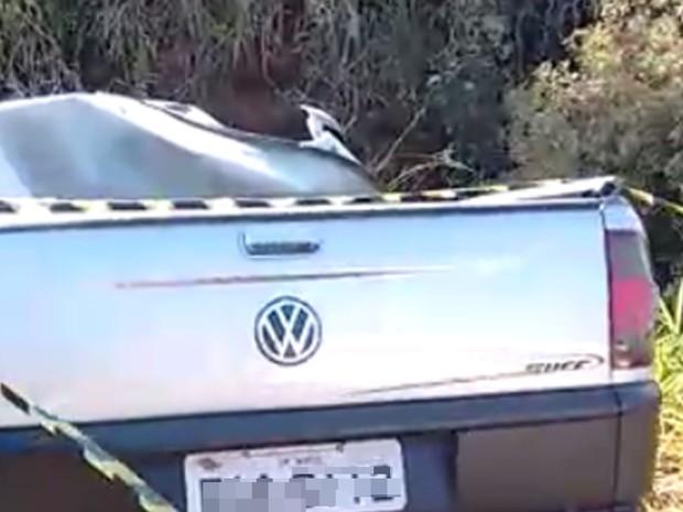 Motorista da picape morreu na hora do acidente (Foto: Divulgação/Polícia Rodoviária Estadual)