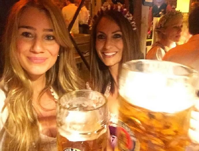 Esposas Thiago e Xabi Alonso Oktoberfest