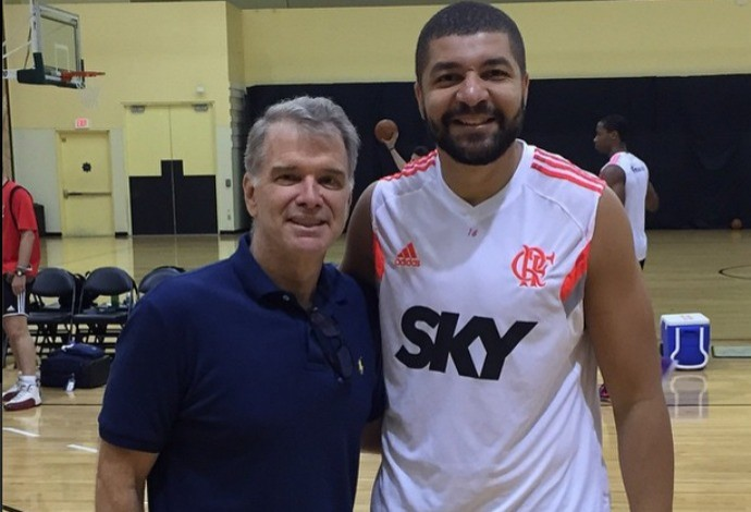 Olivinha e Bernardinho treino Flamengo NBA (Foto: Reprodução/Instagram)