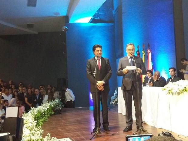 Prefeito Luciano Cartaxo e vice Manoel Junior tomaram posse em João Pessoa (Foto: Angélica Nunes/Jornal da Paraíba)