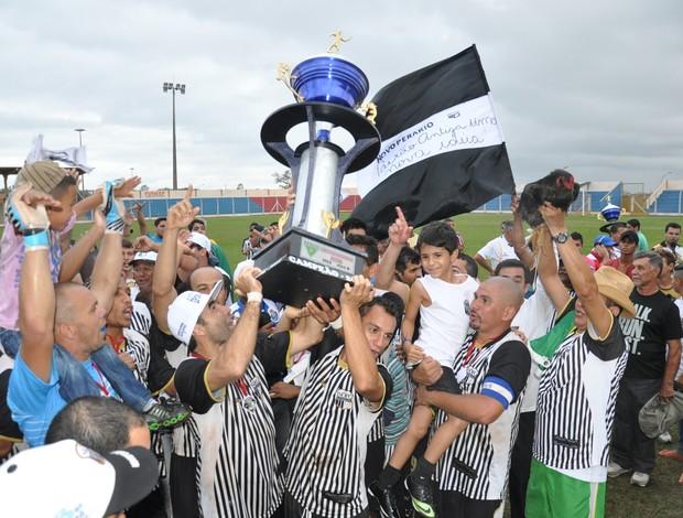 Novoperário campeão sul-mato-grossense Série B (Foto: Hélder Rafael/Globoesporte.com)