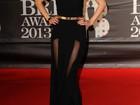 Taylor Swift arrasa no look para assistir a premiação em Londres