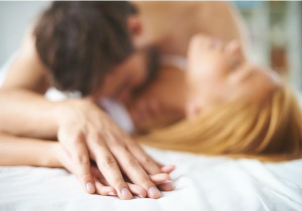 Sexo: Psicóloga especialista no assunto compartilha dicas para manter o desejo sexual do homem e da mulher (Foto: Thinkstock)