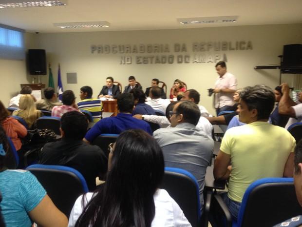 Moradores acietaram proposta de indenização nesta sexta-feira (15) (Foto: Jéssica Alves/G1)