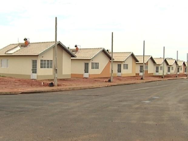 Alugar ou vender uma casa da CDHU é considerado crime (Foto: Reprodução / TV Tem)