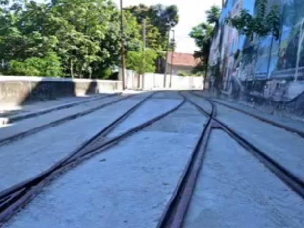 Obras dos bondes recomeçam em Santa Teresa (Foto: Reprodução / TV Globo)