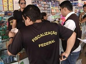 CRF fiscaliza estabelecimentos para garantir cumprimento da lei que exige farmacêuticos em tempo integral. (Foto: Reprodução/TV Tapajós)